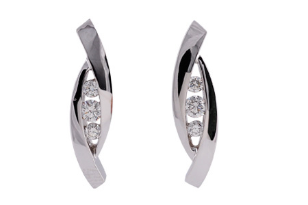 C000-34576: EARRINGS .27 TW
